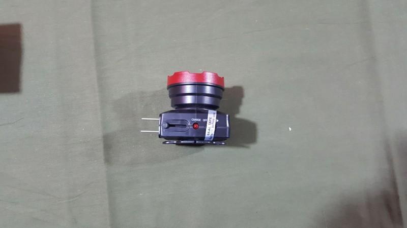 led充电式头灯图片
